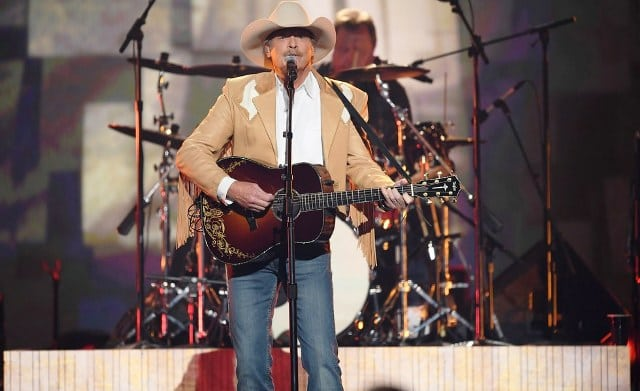 Willie Nelson Net Worth >> Alan Jackson - Bio, Age, Daughters, Wife, Family, Net ...