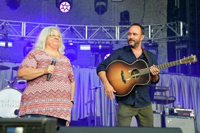 who is dave matthews wife? kids, sister, family, and his height