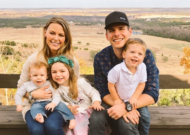 Granger Smith family, wife, girlfriend, kids