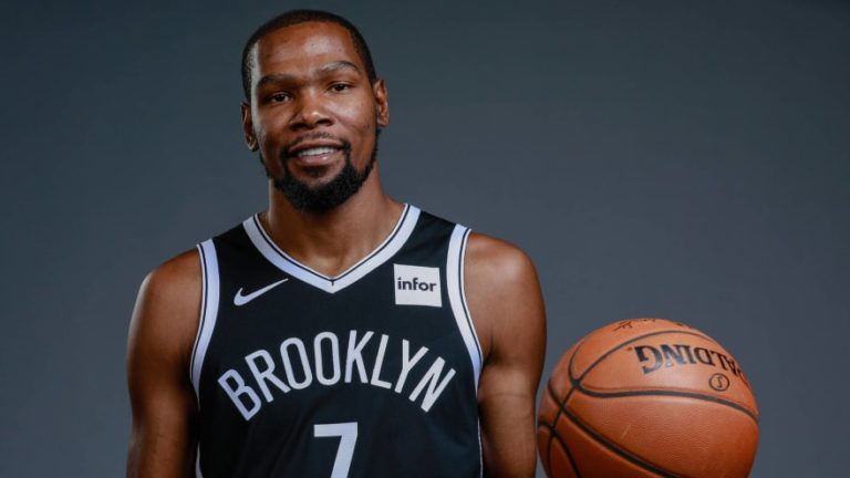How Tall is Kevin Durant and How Has His Height Affected His Career?