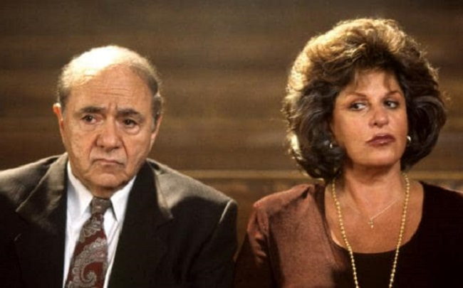 Michael Constantine and Lainie Kazan in My Big Fat Greek Wedding
