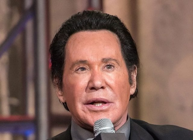 Wayne Newton Net Worth, Age, Plastic Surgery, Wife, Daughters, Is He Gay