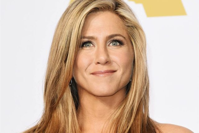Jennifer Aniston's nose dp