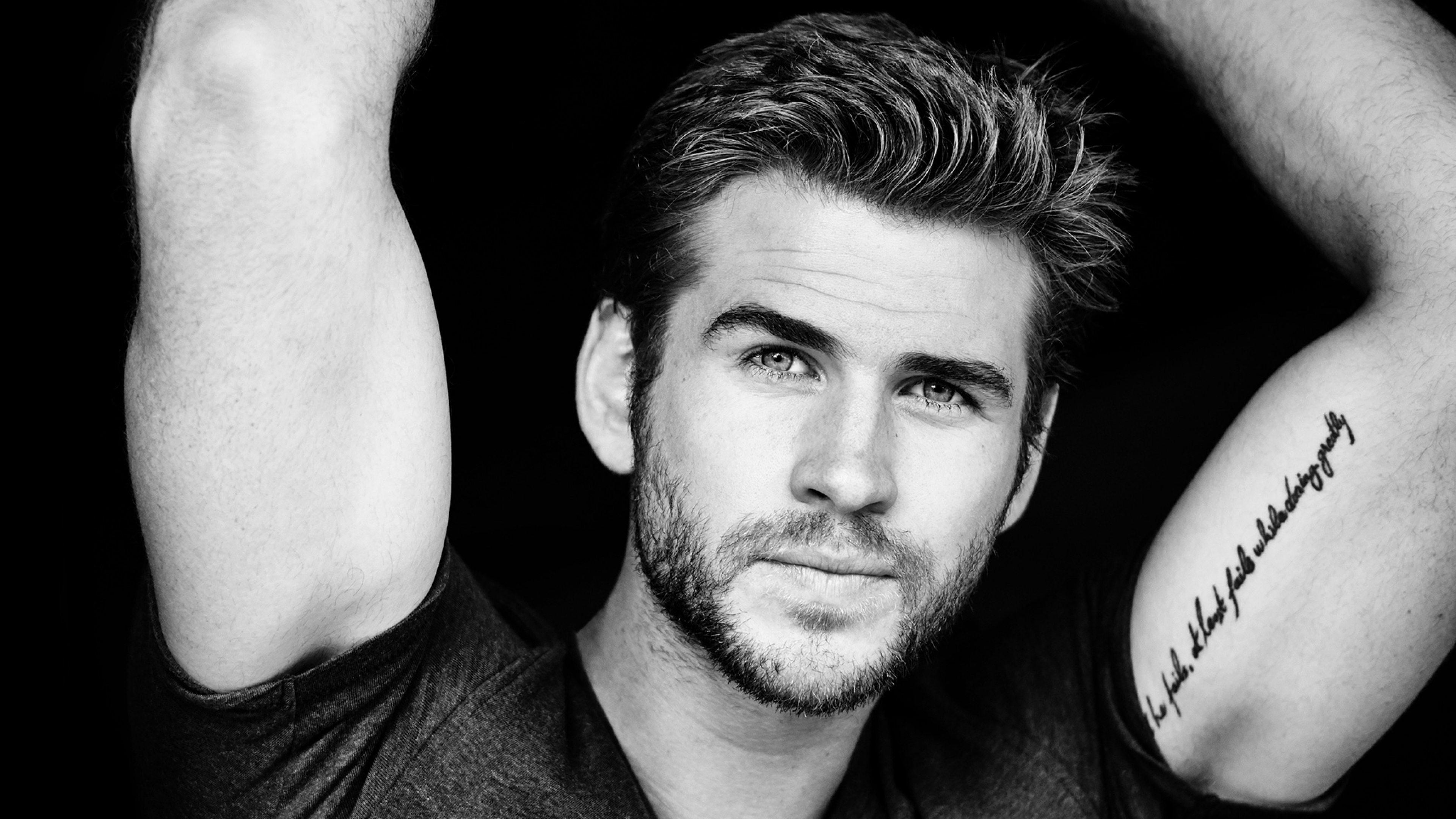 Liam Hemsworth's height dp